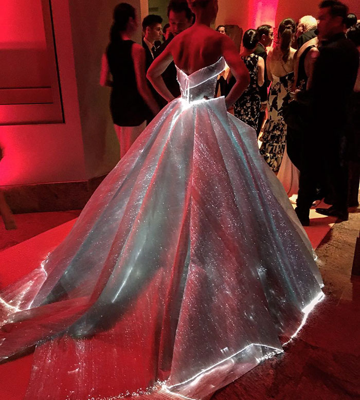 fiber optic glowing dress at ny met gala the art of science
